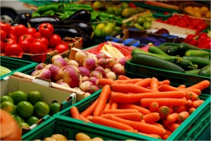 Come una variedad de vegetales y frutas para prevenir el cancer